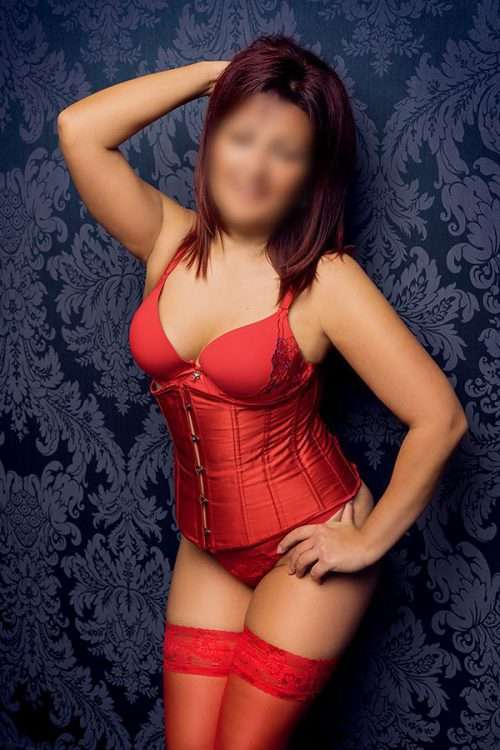 Tina-reife-escort-modelle-berlin-500x750